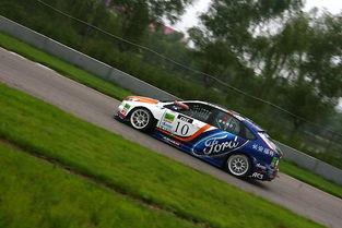 第四分站的决赛在北京金港赛车场举行.在中国量产车赛2000CC组排...