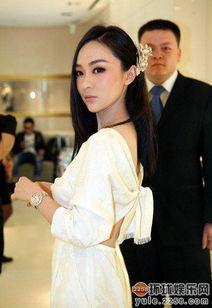 颜丹晨1997年以电影《花季·雨季... 最佳成人演员大奖.