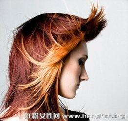 长发女生挑染发型 更纯净更时尚