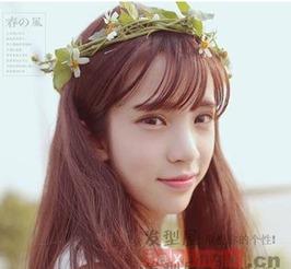 用空气刘海所打造的一款韩式中长发发型,因为直发发型加上空气刘...