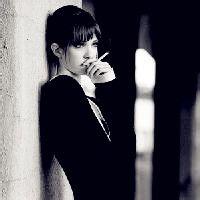 欧美抽烟女头像,霸气拽欧美女生抽烟头像黑白色-虎豹等动物霸气微...
