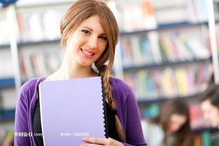 图书馆里的紫衣美女人物摄影高清图片