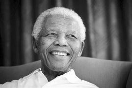 致力于推翻南非白人专制.