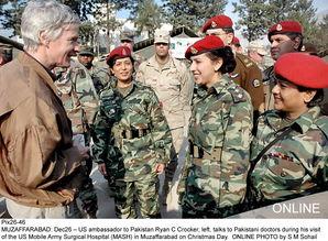 巴基斯坦陆军女军人风采