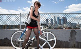 当黑丝遇到单车 一起来看美女骑行图赏