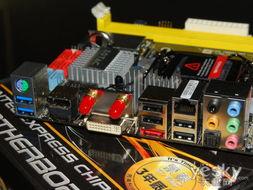 inquiry_rcim-19_19_inches_rack_mount_display_monitor-接口方面提供一个PS/2键鼠/KB接口、两个USB 3.0、四个USB 2.0、...