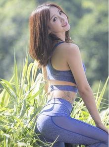女星柳岩运动写真 丰乳翘臀尽显活力