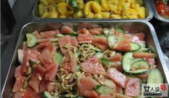 高校食堂推水果菜 新型蔬果料理竟受学生一致好评