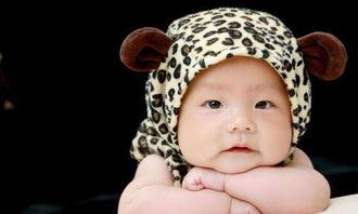 新生宝宝歪脖子的纠正方法