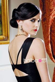 007身边的性感尤物 谁的妆容最动人