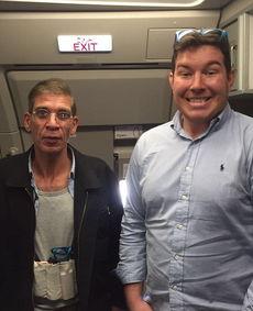 据《每日邮报》报道,埃及航空公司一架从埃及亚