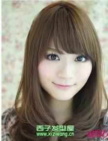 最新的女生长发烫发发型 9