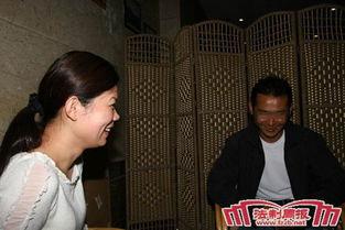 云南艾滋病画家征婚 欲寻感染艾滋病毒女孩