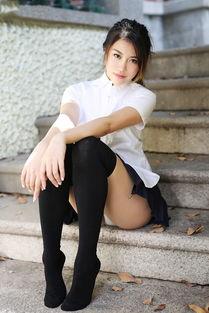 没穿内裤的清纯学生妹齐臀小短裙甜美迷人美女图片 性感美女 美桌图...