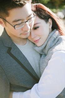 ...晒美照 获老公亲吻额头甜蜜非常