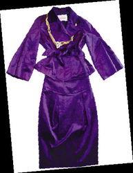 光感材质一步裙-女性消费 上班第一天必备的四款新单品