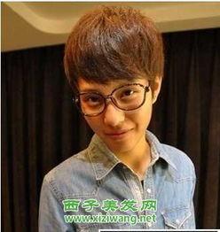 2012流行男学生发型