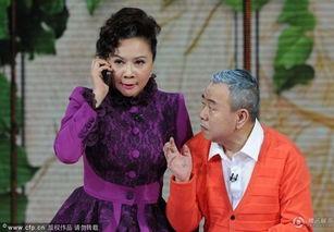 腾讯微博、腾讯视频进行全平台直播.   蔡明   今年以毒舌老太太的身...